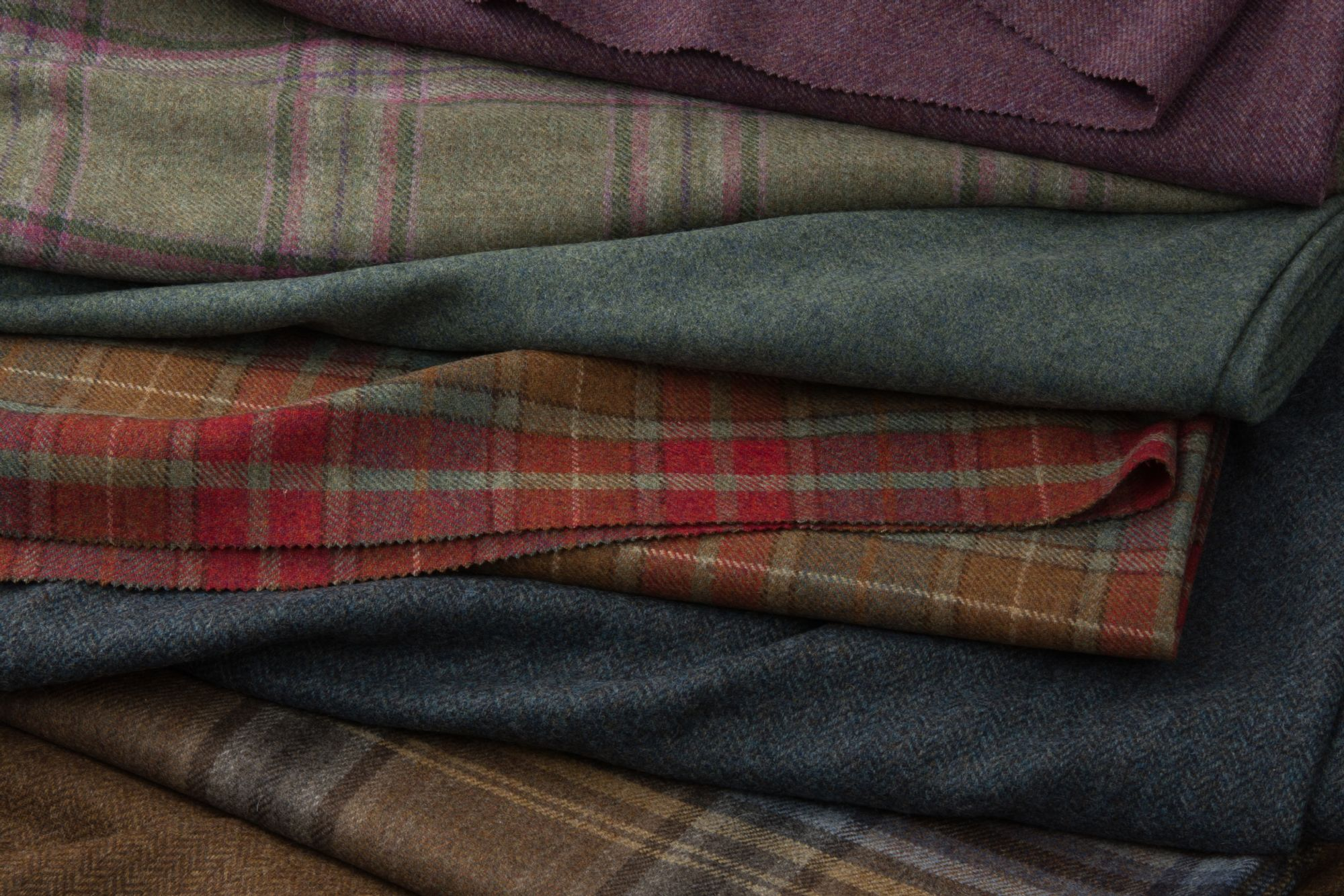 Tweed: A Guide to Designs & Weight