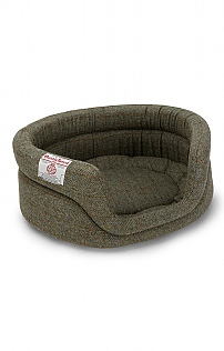 Harris Tweed Small Oval Dog Bed 23 Inch