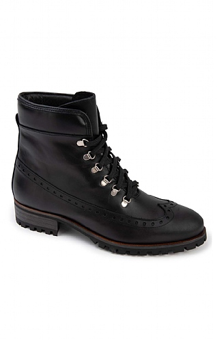 Ladies Lace Up Boot