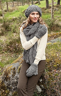 Ladies Cable Knit Scarf