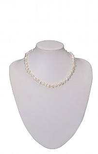 Single Strand Pearl Necklace with Hearts