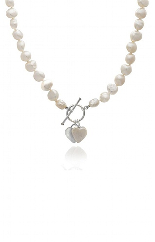 Pearls of the Orient Pearl Necklace with Heart Drops