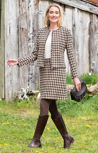 Tweed Modern Short Skirt