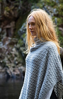 Johnstons Of Elgin Cashmere Cable Poncho