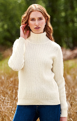 Lamora Cable Roll Neck